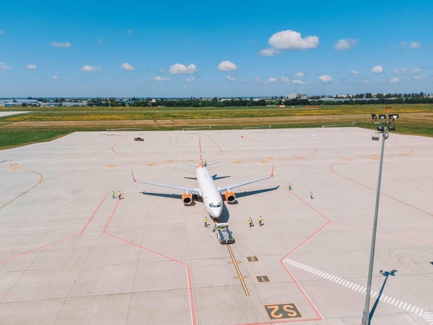 Одесский аэропорт принял первый рейс на новом перроне, - ФОТО, фото-1
