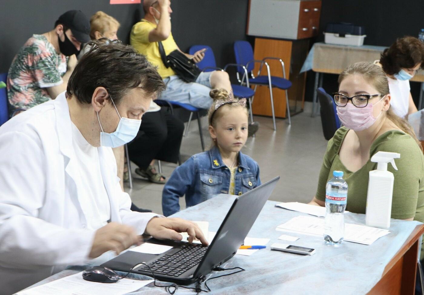 В Одессе снова прошла массовая вакцинация, - ФОТО, фото-10