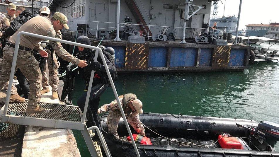 """""""Си Бриз-2021"""" в Одессе: военные поднимали затонувшее судно, - ФОТО, фото-3"""