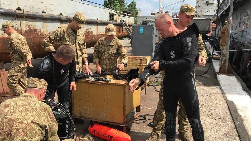 """""""Си Бриз-2021"""" в Одессе: военные поднимали затонувшее судно, - ФОТО, фото-2"""