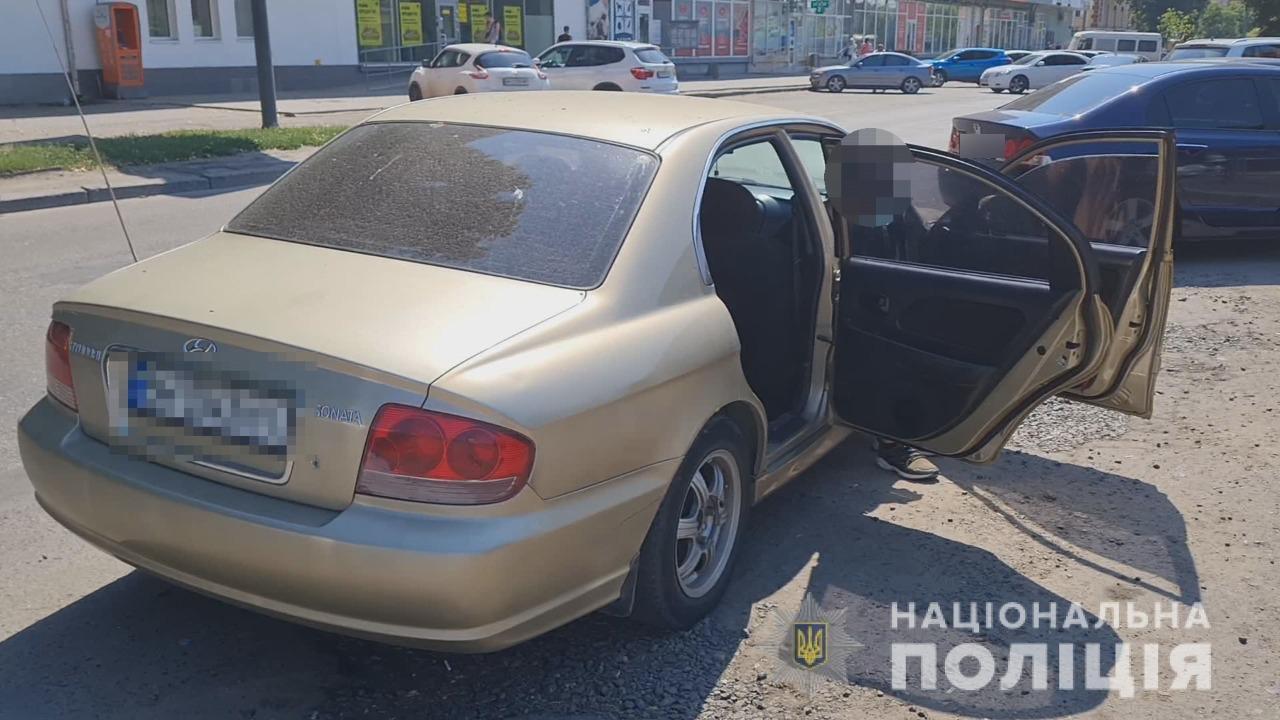 Грабеж средь белого дня: в Одессе украли сумку из машины на глазах у водителя, - ФОТО, ВИДЕО, фото-2
