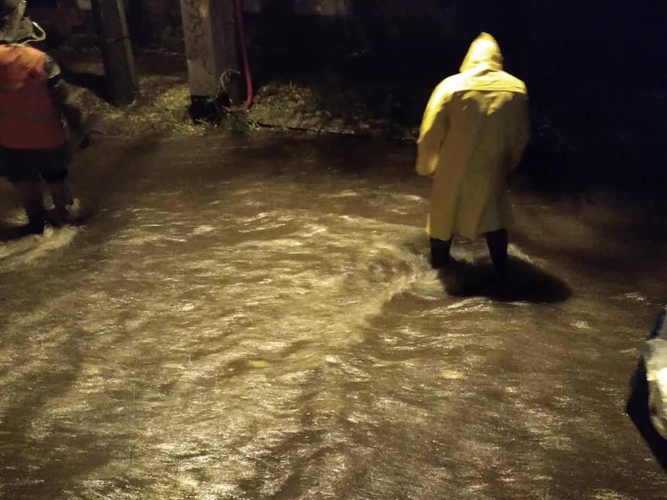 Одессу и область затопило: спасатели откачивают воду в домах и на дорогах, - ФОТО, фото-1