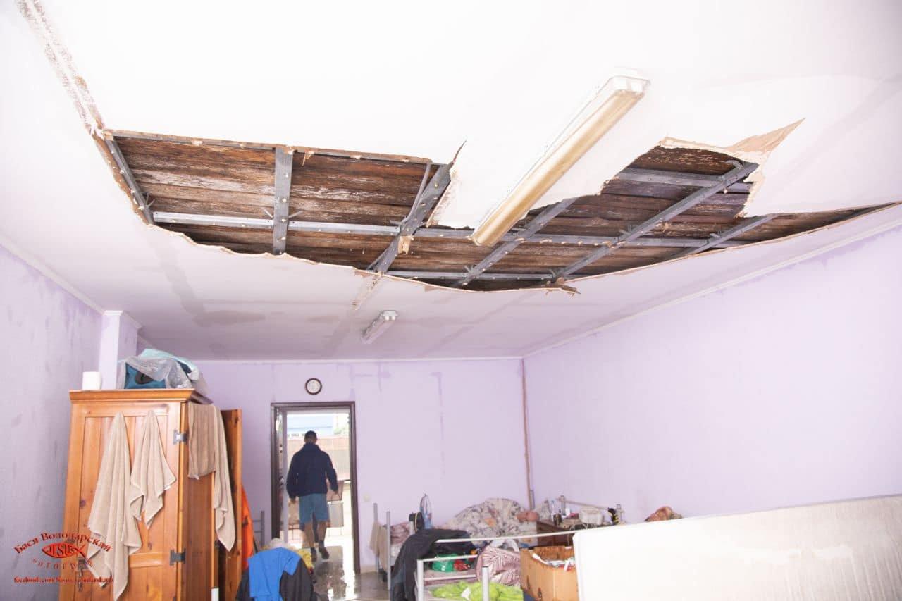 В одесском приюте для пожилых людей из-за ливня сорвало крышу, - ФОТО, фото-17