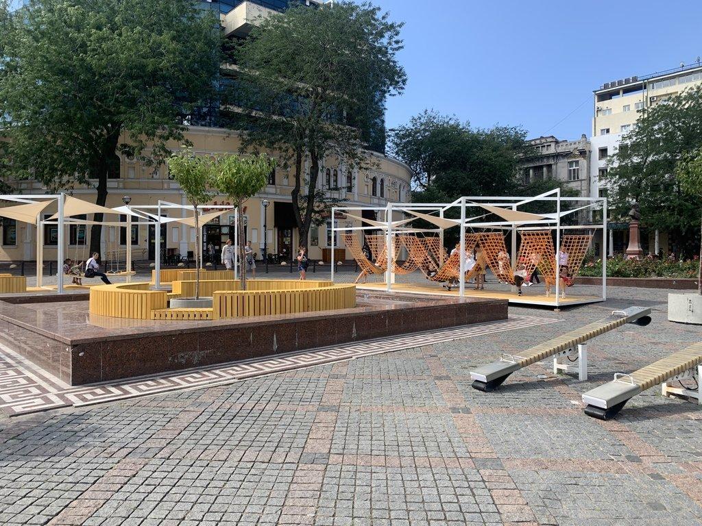 Трансформація Грецької площі завершилася: трансформована локація чекає на відвідувачів, фото-2