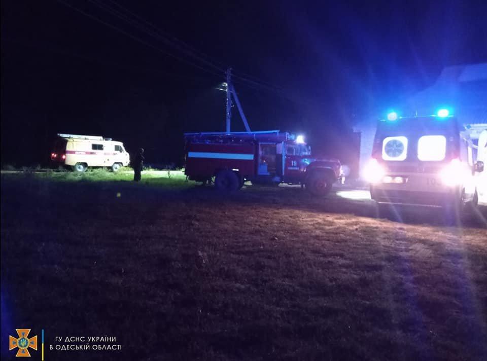 В Одесской области пожарные спасли из горящего дома мужчину, - ФОТО , фото-1