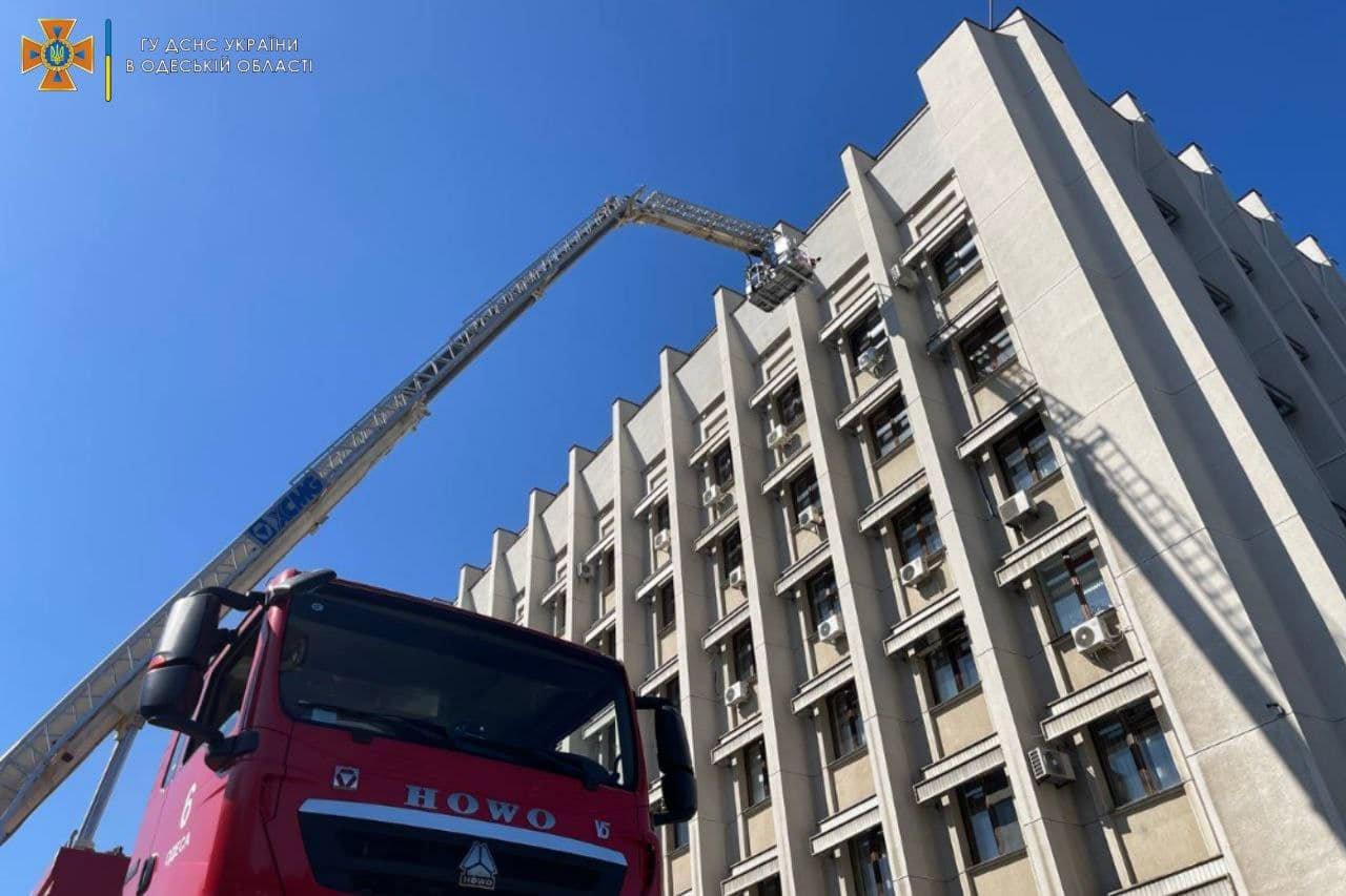 Пожар в Одесской обладминистрации: спасатели проводили учения, - ФОТО, фото-3