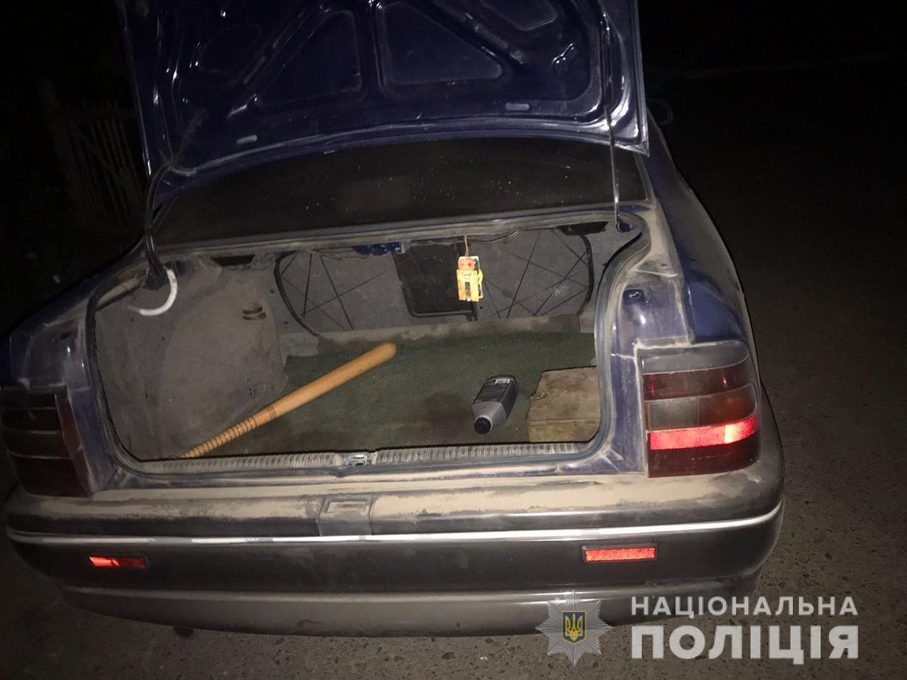 Похитили машину и требовали 3000$: в Одесской области задержали преступную группировку, - ФОТО, фото-1
