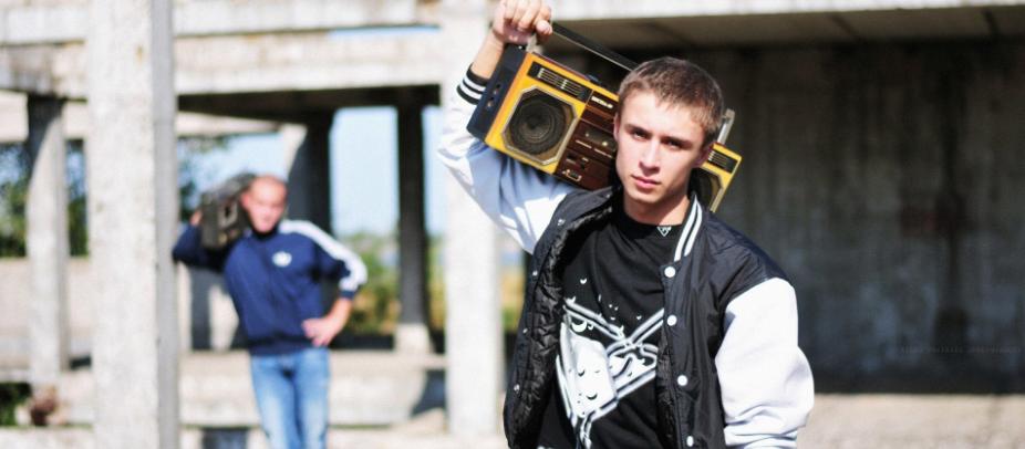 В Одесской области двум подросткам за старый магнитофон грозит 6 лет тюрьмы0