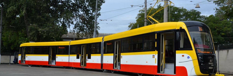В Одессе вандалы повредили трамваи, - ФОТО0