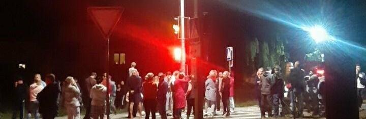 Накипело: возле Совиньона под Одессой люди перекрыли дорогу, - ФОТО, ВИДЕО0