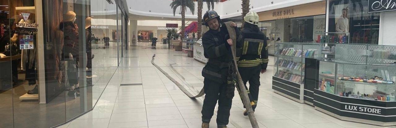 В Одессе из торгового центра эвакуировали людей, - ФОТО0