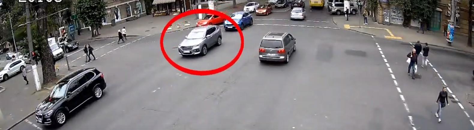 В Одессе водитель из Запорожской области ездит по своим правилам, -...0