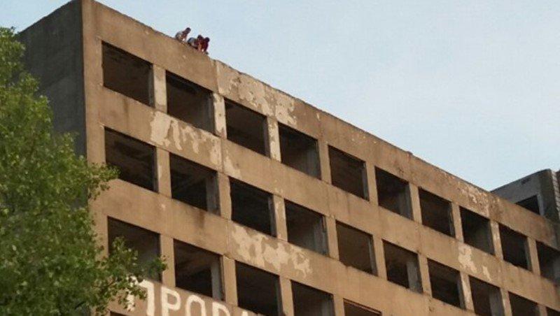 В Одесской области 18-летний парень прыгнул с девятого этажа0