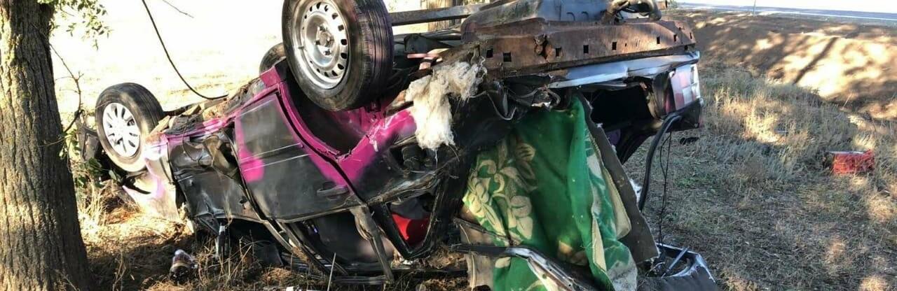 В Одесской области автомобиль съехал в кювет и перевернулся, есть п...0