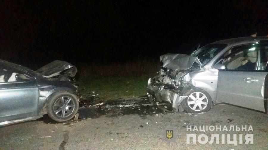 """В Одесской области два автомобиля столкнулись """"лоб в лоб"""", оба води...0"""