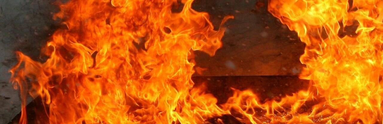 В Одесской области горел гараж с автомобилем 0