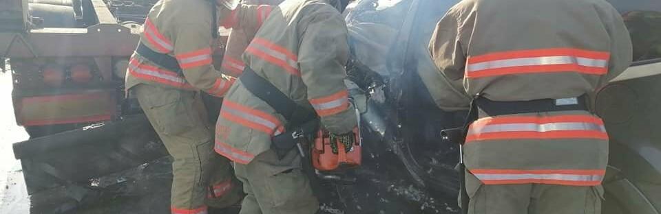 В Одесской области спасатели доставали водителя из машины, - ФОТО,...0