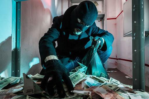 В Одессе неизвестные ограбили банк: похитили более двух миллионов0