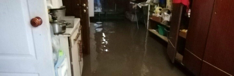 В Одессе дом из-за дождя и снега частично ушёл под воду, - ФОТО0