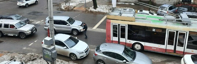 Троллейбус №2 можно не ждать: из-за ДТП в центре Одессы образовалас...0