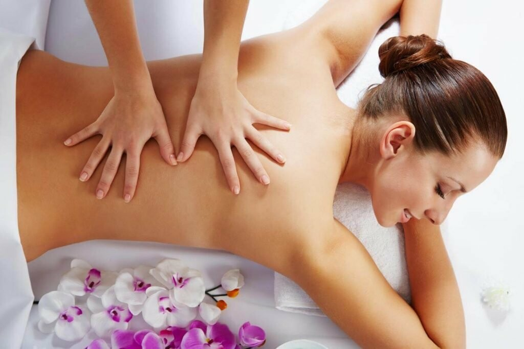 массаж спины успокаивающие поглаживания